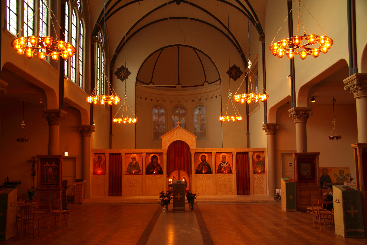 Lighting at st nicholas russian orthodox church amsterdam for Design consultancy amsterdam